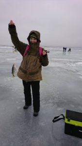 Peipsi järvel talviselt kalapüügil Hollandlane