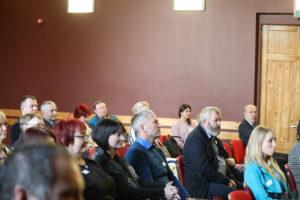 Arengufoorumil osalejad kuulamas seminari