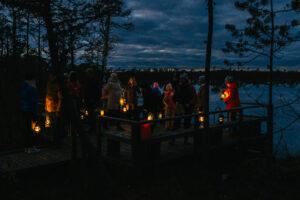 Peipsimaa valgusretk Peipsi järve ääres küünaldega
