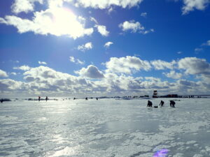 Peipsimaa koolivaheaja nautijad Peipsi järvel